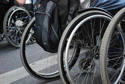 Cadira de rodes. Font: rociontheroof (Flickr)